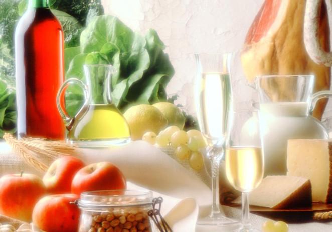 Dieta mediterránea reduce un 30 % riesgo de cáncer de mama
