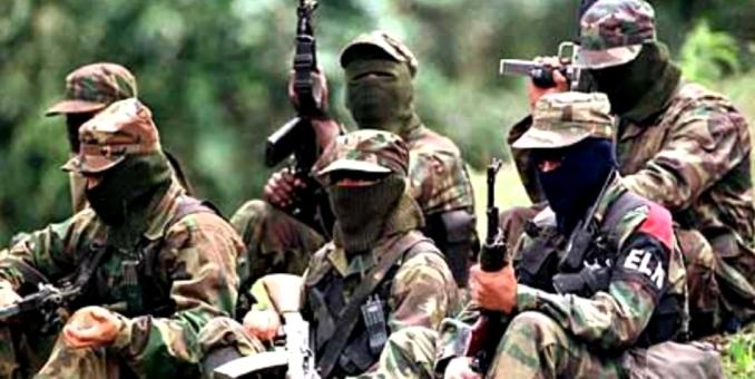 """Colombia dice que apela a """"zanahoria y garrote"""" para desarmar a las FARC"""