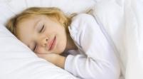 Dormir media hora más mejora el comportamiento de los chicos