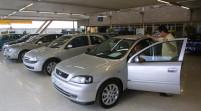 La venta de vehículos nuevos cayó 30%