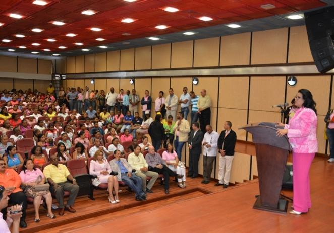 Presidenta del Senado Dominicano encabeza operativo de prevención del cáncer de mama en Dajabón