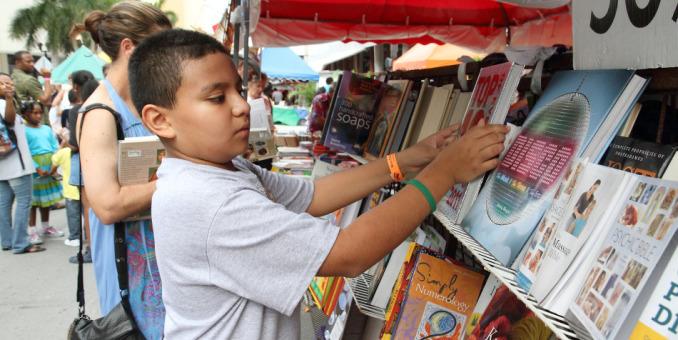 Feria del libro de Miami inicia sus preliminares con lectura de cuentos