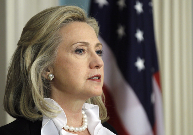 Hillary Clinton sale en defensa de las medidas migratorias de Obama