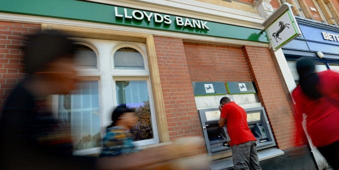 Lloyds recortará 9.000 puestos de trabajo