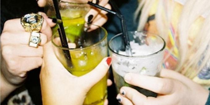 5 padecimientos por el consumo de bebidas alcohólicas
