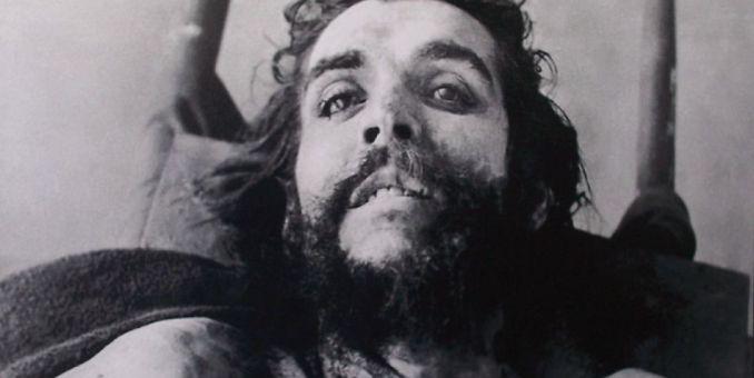 Las fotos del cadáver del Che olvidadas por décadas en un pueblo español