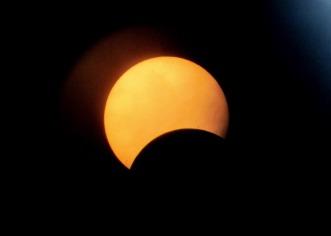 EEUU, Canadá y México viven un eclipse parcial de Sol