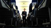 Pasajero causa pánico en avión que iba a R. Dominicana al simular sufrir ébola