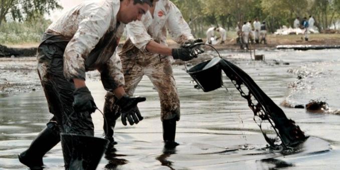 """FMI: Caída de precio del crudo es una """"buena noticia"""" para economía mundial"""