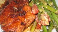 Cuida tu corazón con salmón en salsa de chile y miel