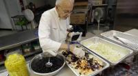 Detienen activista de 90 años por alimentar a indigentes en Fort Lauderdale, Florida