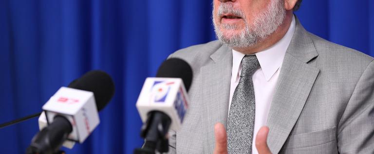 Roberto Rodríguez Marchena responde a acusación del diputado Vinicio Castillo