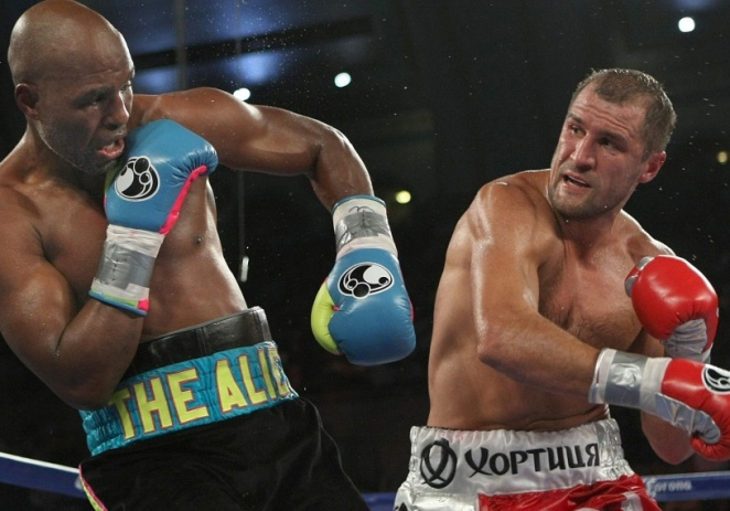 Kovalev domina a Hopkins a lo largo de 12 rounds