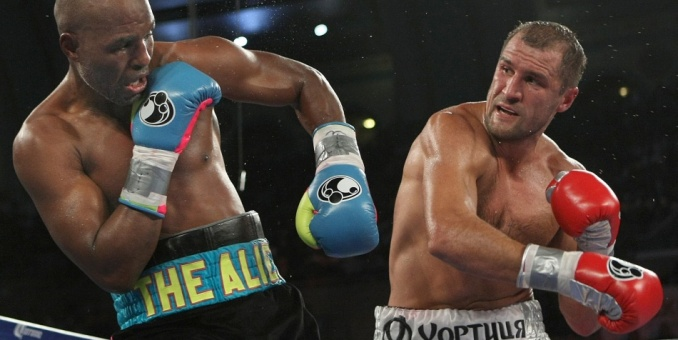 Kovalev domina a Hopkins a lo largo de 12 rounds