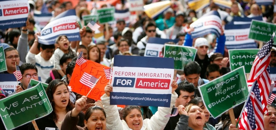 Muchos indocumentados en EEUU temen reportarse a las autoridades, pese a decreto de Obama