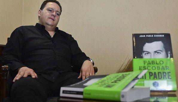 """Pablo Escobar """"nos mostró el camino que no debemos recorrer"""", dice su hijo"""
