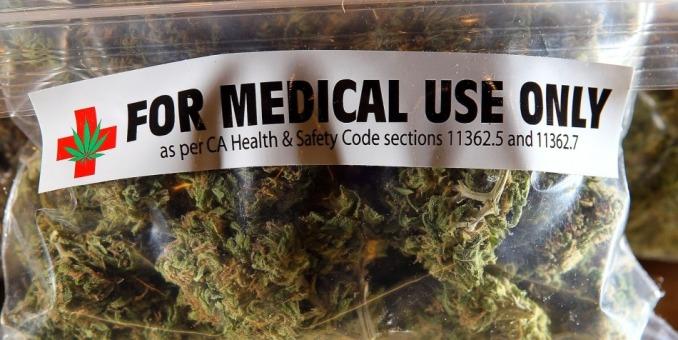 Florida rechaza el uso medicinal de la marihuana en un reñido referéndum