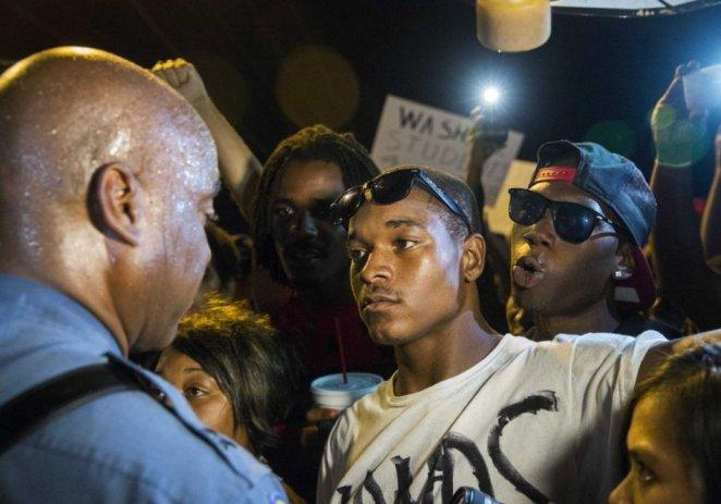 Ferguson se prepara para decisión de gran jurado