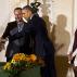 """Obama inaugura la fiesta de Acción de Gracias con el indulto al pavo """"Cheese"""""""