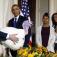 Obama defiende su autoridad… para indultar pavos