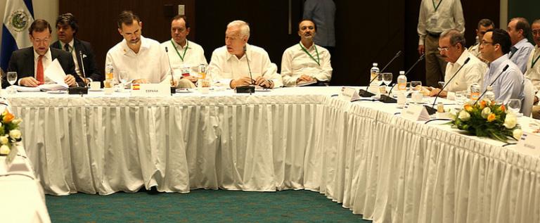 Presidentes países del SICA desayunan con presidente Dominicano y rey de España