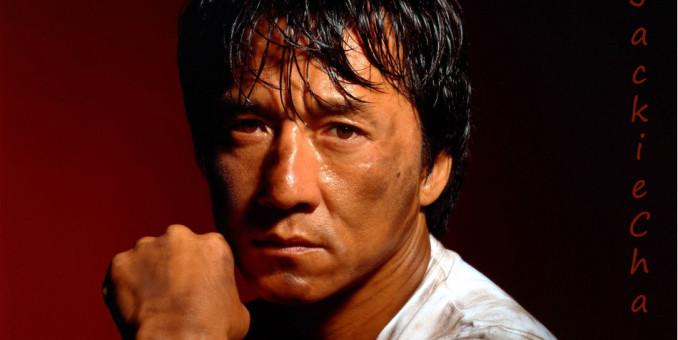 Jackie Chan avergonzado por cargos contra su hijo