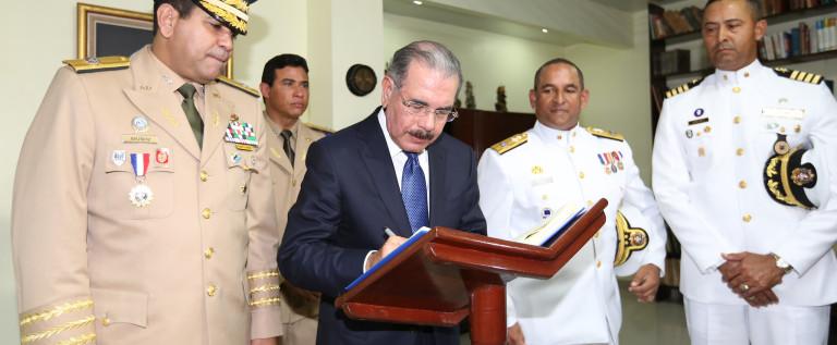 Esta es la Historia de mi Tocayo el Presidente Danilo Medina Sanchez. un Presidente Dominicano diferente