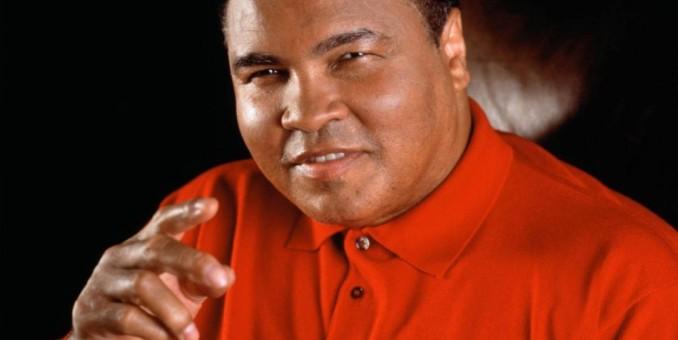 Muhammad Ali, internado por neumonía