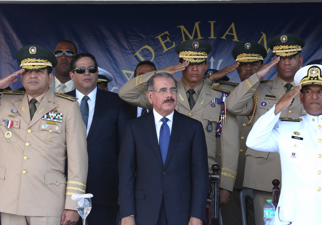 Oficiales navales Dominicanos se gradúan; Presidente Danilo Medina encabeza ceremonia