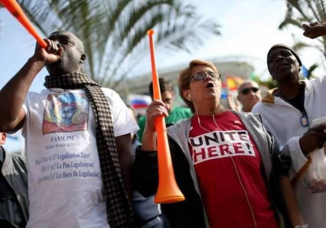 Centenares de trabajadores del aeropuerto de Miami planean huelga en Navidad