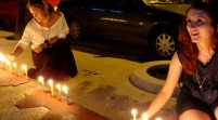 """La tradicional """"noche de las velitas"""" ilumina los hogares colombianos"""