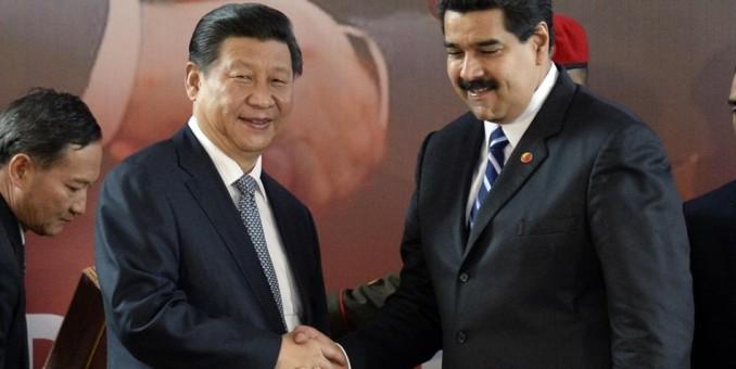 Maduro viaja a China para buscar apoyo ante caída de precios del petróleo