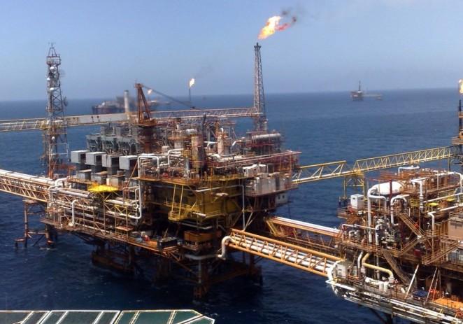 México busca importar petróleo de EE.UU. por primera vez en su historia