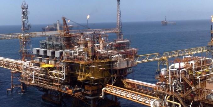 El petróleo de Texas comienza 2015 bajando hasta los 52,69 dólares el barril