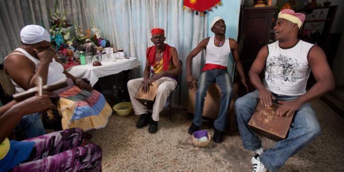 Santeros cubanos instan a EEUU y Cuba a seguir dialogando