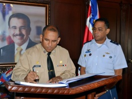 Comandante de la Armada de la Republica Dominicana resalta disminución de viajes ilegales este año