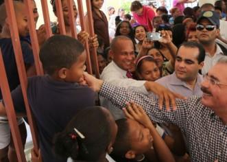 Presidente Dominicano Danilo Medina Sanchez demuestra amor a la República Dominicana como lo hizo Juan Bosch