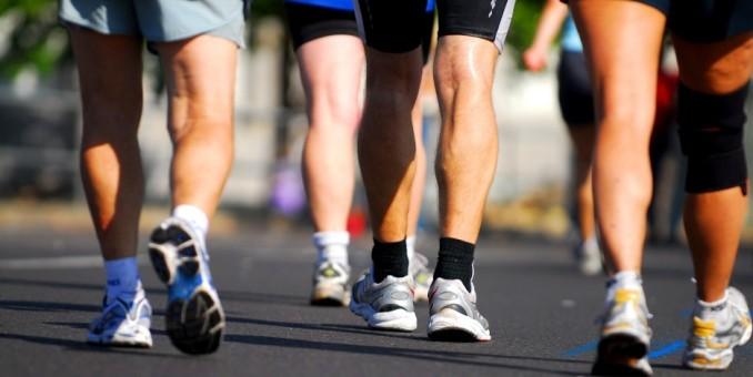 Caminar 2 minutos cada hora podría contrarrestar los efectos de estar sentado mucho tiempo