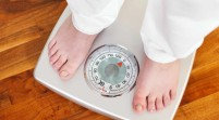 Pesarse todos los días alienta el descenso de peso