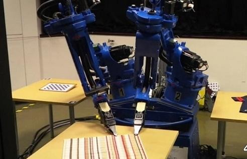 Ya hay un robot capaz de clasificar la ropa arrugada y doblarla