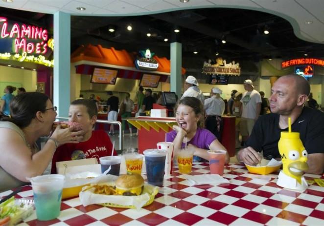 Vivir cerca de restaurantes de comida rápida atenta contra la silueta y la salud