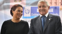Guatemala exige renuncia a presidente y vice por caso de corrupción