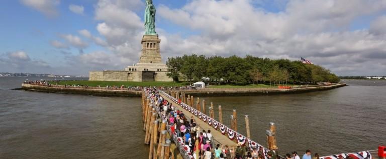 Estatua de la Libertad evacuada por amenaza de bomba