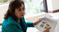 Ex primera dama de Guatemala se inscribe como candidata a la Presidencia