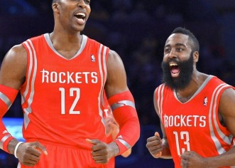James Harden y Dwight Howard mantienen vivos a los Rockets de Houston