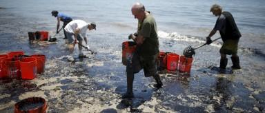 La limpieza del vertido de petróleo en California (EEUU) puede durar meses