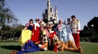 Actores de Disney defienden derecho a revelar su identidad