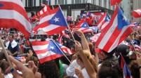 Desfile puertorriqueño se toma Nueva York marcado por protesta contra Obama