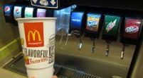 Clientes reducen consumo de gaseosas en McDonald's