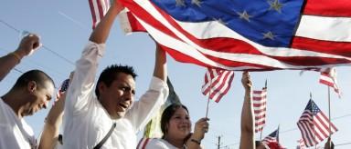 Estados Unidos juramenta nuevos ciudadanos en el Día de la Independencia